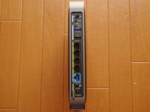 ポート類。USB3.0でHDDが接続出来ます。